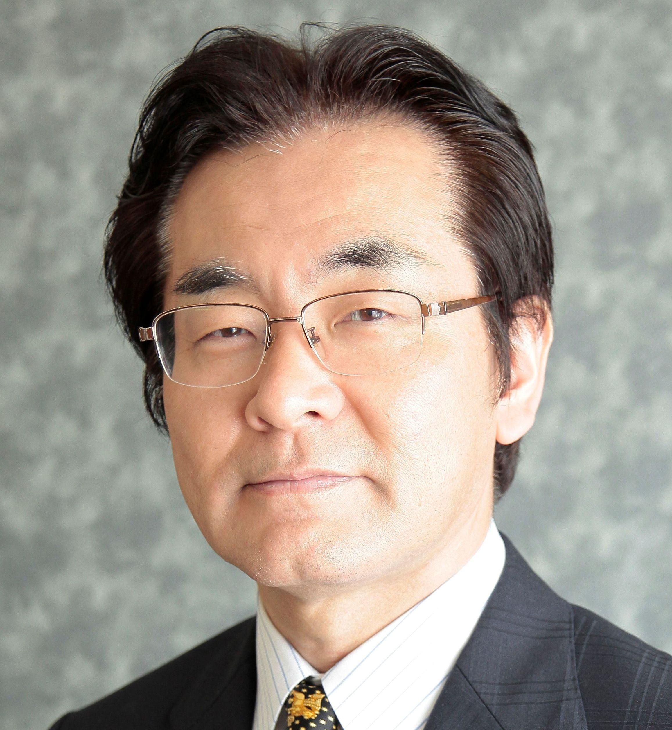 秋山勉登務 先生